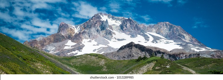 Mt. hood, cascade range, under summer skies in Oregon