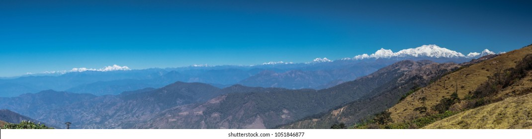 Mt Kanchenjungha and Mt Everest together from Sandakphu, on the way to Phalut in Singalila National Park