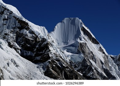 Mt. Lingtren, Kala Patthar, Khumbu glacier, Mahalangur Himal, Solukhumbu District, Sagarmatha Zone, Himalayas, Nepal, Asia