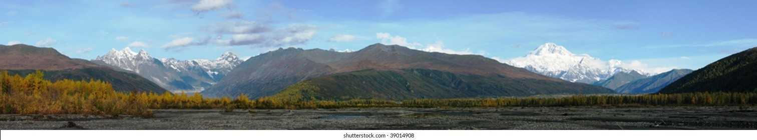 Mt Mckinley panoramic in the fall