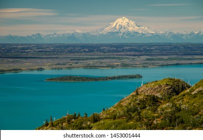 Mt. Redoubt viewpoint from Skilak lake in Kenai Peninsula, Alaska