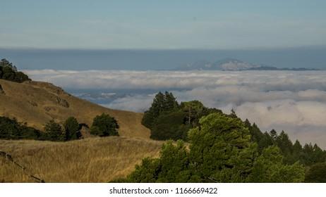 Mt Tamalpais fog clouds moving towards bay