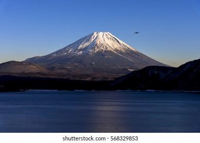 mt.fuji from lake motosu