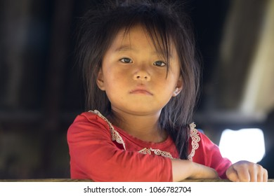 Mu Cang Cha, a minority child (H'MONG) in the mountains near Sapa, in northern Vietnam. YEN BAI PROVINCE, VIET NAM date 25/09/2017