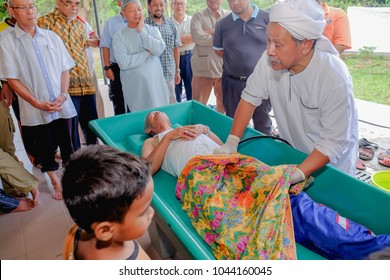 Muadzam Shah, Malaysia - March 11th, 2018: Instructors make the demonstration of the steps of bathing the corpses to prepare it for burialin the Corpses Management  Course.
