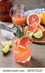 Muddled lime and thyme, combined with fresh grapefruit juice and delicious bourbon  . This cocktail is refreshing, full of flavour and totally gorgeous – it's the perfect cocktail to serve at any occ