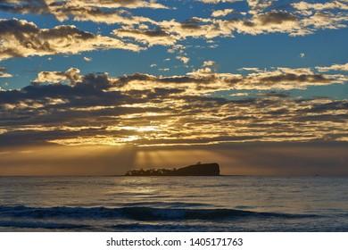 Mudjimba Island, Old Woman Sunrise on the Sunshine Coast.