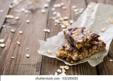 Muesli bars with milk chocolate
