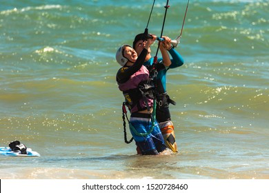 MUINE, VIETNAM - JANUARY 31, 2014: Training in kitesurfing in Vietnam. Kateboarding Training Process