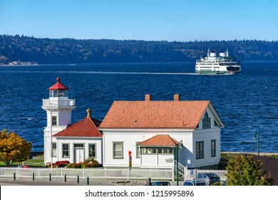 MUKILTEO, WASHINGTON - OCTOBER 14, 2018 Lighthouse Whidbey Island Ferry Puget Sound Mukilteo Snohomish County Washington Pacific Northwest. Operational in 1906,\