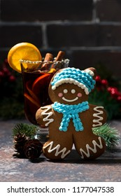 mulled wine and gingerbread man, closeup