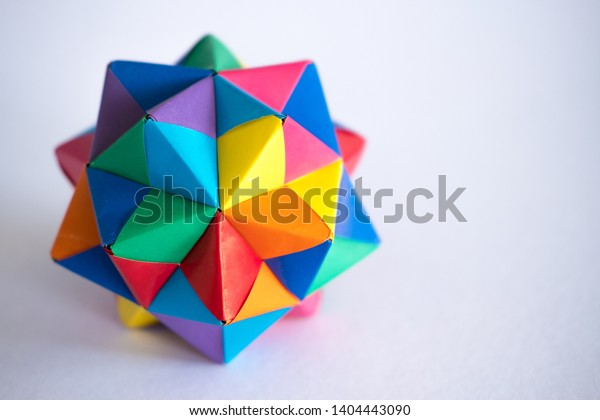 Modular Origami - balls and polyhedra folded by Michał Kosmulski | 420x600