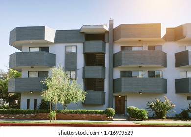 Multi Family residential building - Real Estate Rentals - Cashflow - Older