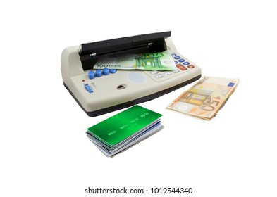 Multi -function counterfeit money and credit card detector