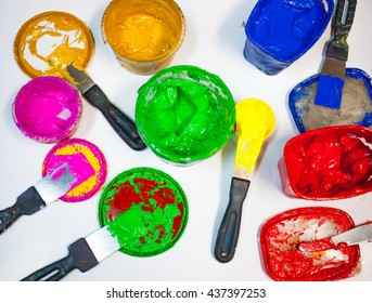 Multi-colored bright paints for the press silk-screen printing