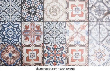 Multicolored ceramic tiles