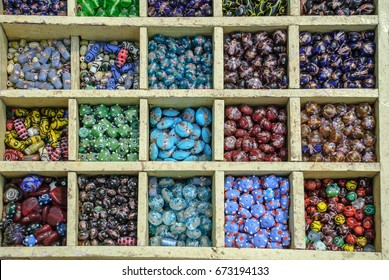 Multicolored glass bead for jewelry