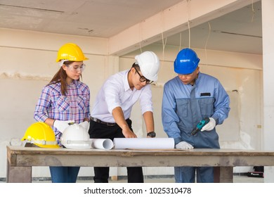 Multiethnic Business Team Engineer Diverse Group working or Discussing with Team Leader and Colleague to Finish Construction project.