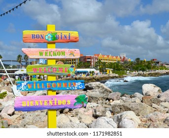 Multi-language welcome sign at the cruise ship port in Curacao