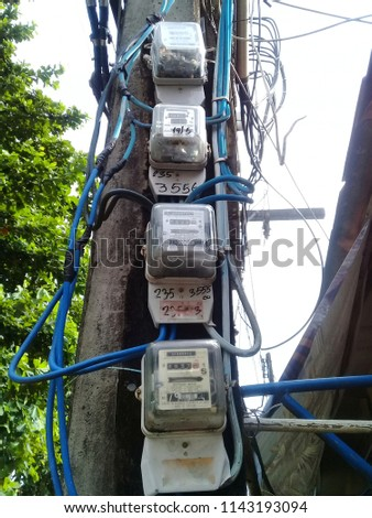 multiple electric meters with unmanaged wiring