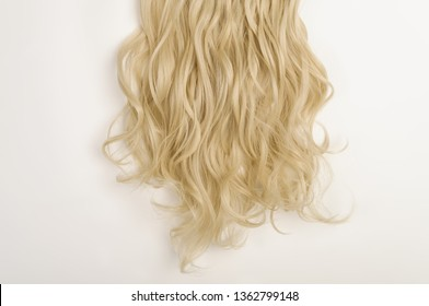 multiple pieces clip in wavy blonde synthetic hair extensions