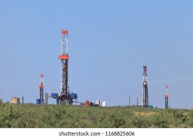 Multiple rigs drilling for oil and gas in the Permian Basin