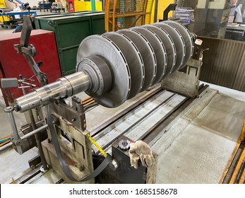 Multiple stage rotor on Balancing machine for Pump industry.