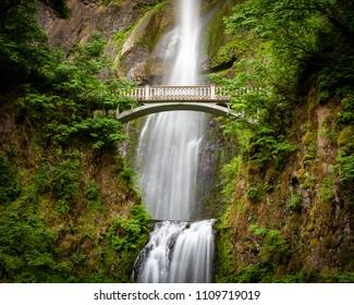 Multnomah Falls in summer, Oregon