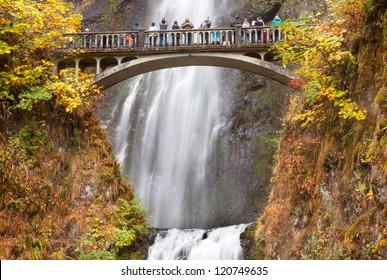 Multnomah Falls Waterfall Autumn, Fall Bridge Columbia River Gorge, Oregon, Pacific Northwest