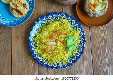 Mumawwash klassisches Gericht aus Kuwait kombiniert Reis mit trockenem Garnelen.