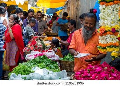 Mumbai city, India .August 8 2017. The old and famous flower market of Dadar Mumbai is about to go away due to city re planning. This market causing huge traffic jams near station area