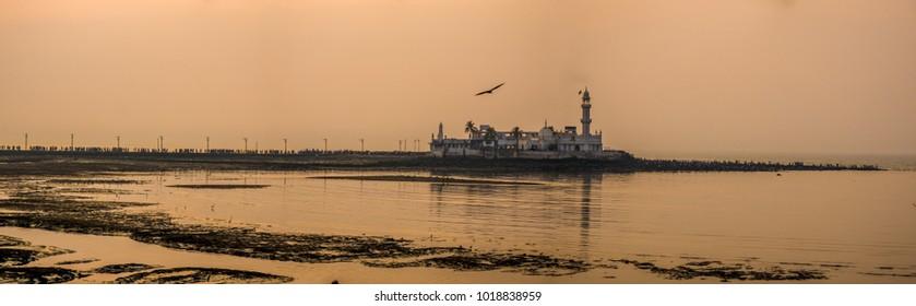 Mumbai cityscape - Haji Ali Dargah