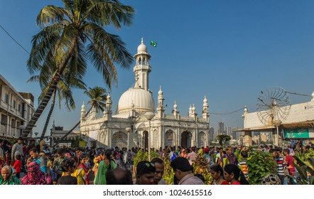 MUMBAI INDIA 10.02.2018 - pilgrims pray in mosque Haji Ali Dargah