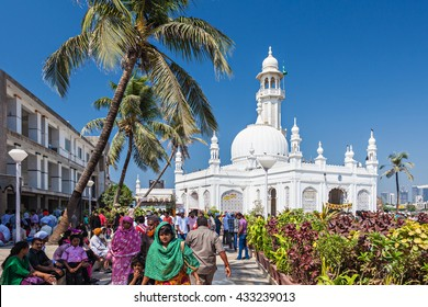 MUMBAI, INDIA - FEBRUARY 27: Unidentified people at Haji Ali Dargah on February, 27, 2014, Mumbai, India