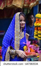 Mumbai local girl nikar photos 1