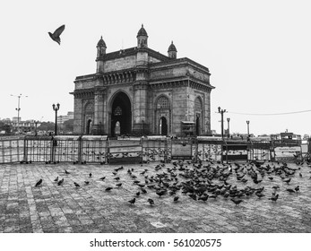 MUMBAI, INDIA - NOVEMBER 13, 2016: The Gateway of India is a monument built during the 20th century in Mumbai, India. It is in the Apollo Bunder area in South Mumbai and overlooks the Arabian Sea.