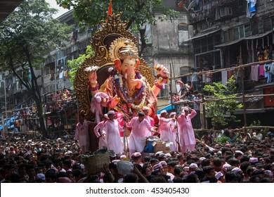 MUMBAI, INDIA - SEPTEMBER 22,2010 : Thousands of devotees bids adieu to Lord Ganesha in Mumbai during Ganesh Visarjan which marks the end of the ten-day-long Ganesh Chaturthi festival.