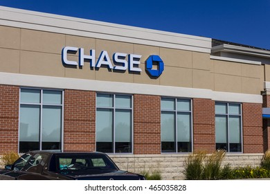 Muncie - Circa August 2016: Chase Bank Retail Location. Chase is the U.S. Consumer and Commercial Banking Business of JPMorgan Chase VI
