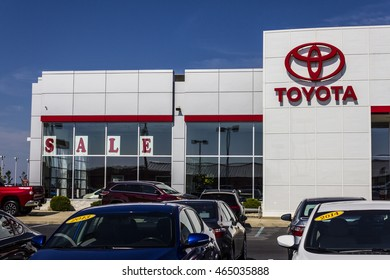 Muncie - Circa August 2016: A Local Toyota Car and SUV Dealership. Toyota is a Japanese Automaker Headquartered in Toyota, Aichi, Japan II