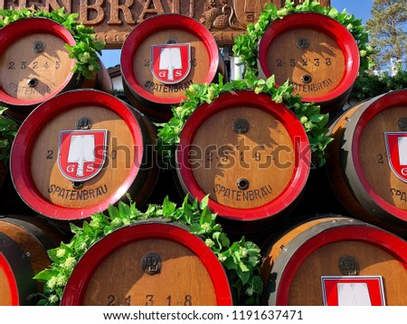 MUNICH/GERMANY - SEPTEMBER 2018: a carriage with wooden beer barrels promoting the local brand SPATENBRAU