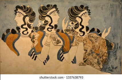 Murals in the Palace of Knossos, Minoan civilization (20th century BC), archaeological zone, Crete, Greece