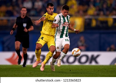 Murg of Rap Wien  and Trigueros of Villarreal battle for the ball during the match of the Europa League between Villarreal CF and Rapid Wien at La Ceramica Stadium Villarreal, Spain on October 25 2018