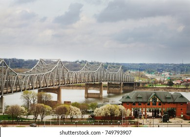 The Murray Baker Bridge in Peoria over the Illinois River.