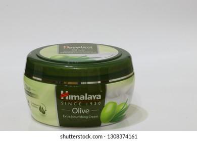 MUSCAT/OMAN-09.02.2019-Himalaya Herbals Olive Extra Nourishing Skin Cream,Since 1930