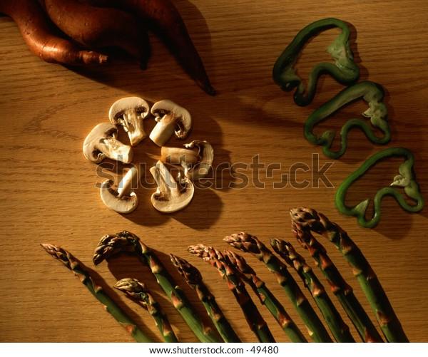 Mushrooms and aparagus