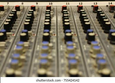 Music mixer table