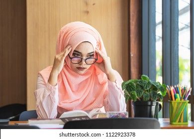 Muslim woman thinking. troubled. business concept image