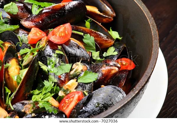 Mussel stew (ragout)