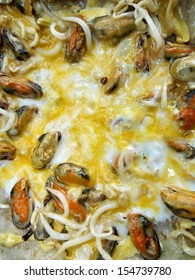Mussels fried in egg batter