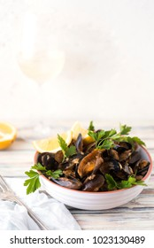 Mussels with rice and a cup of whine
